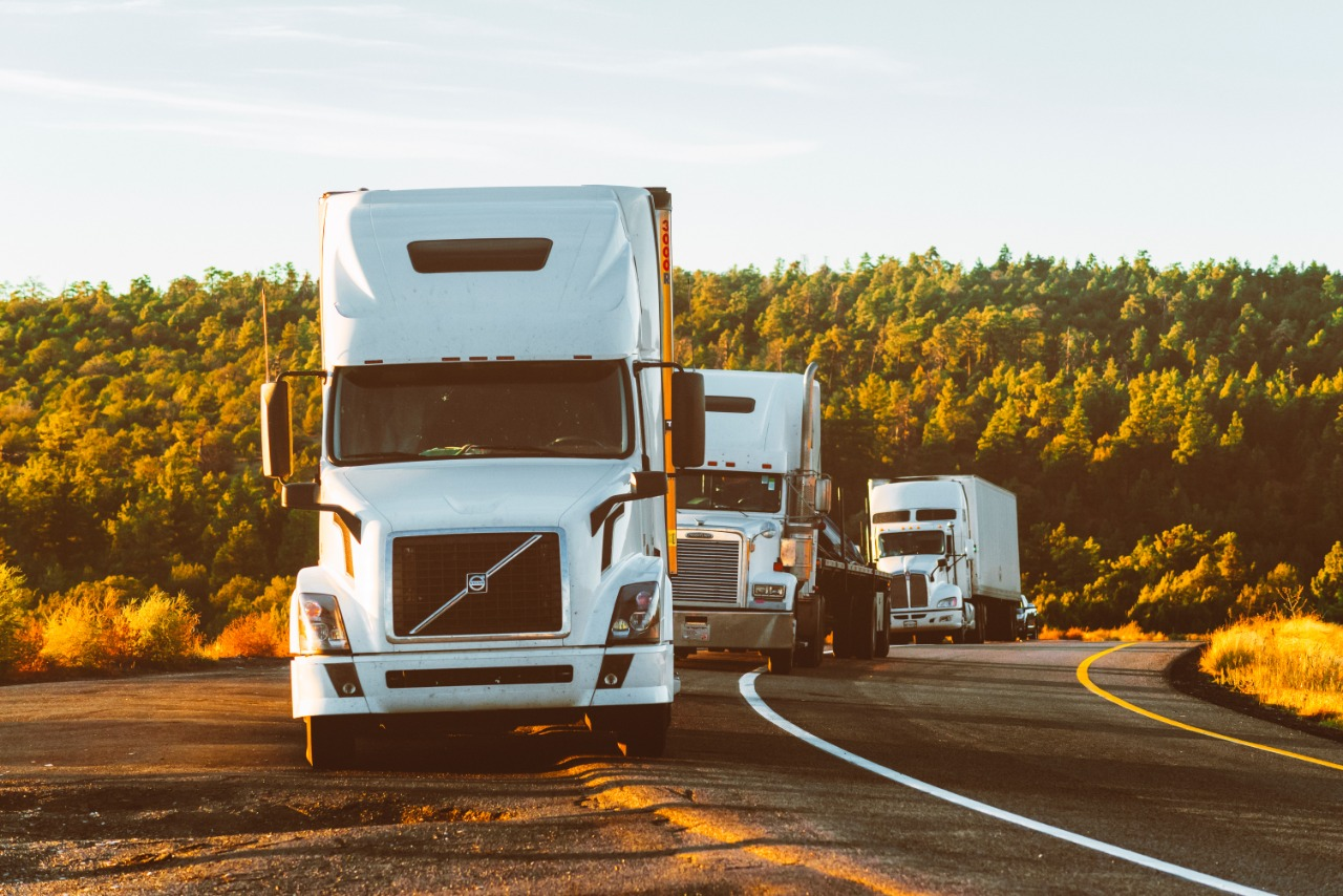 Set your smart fleet by assigning route scheduling, trip management, location tracking, fleet management with IOTRL fleet software.
